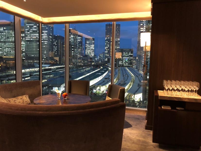 ラグジュアリーソーシャルアワーの会場であるフォーシーズンズホテル東京
