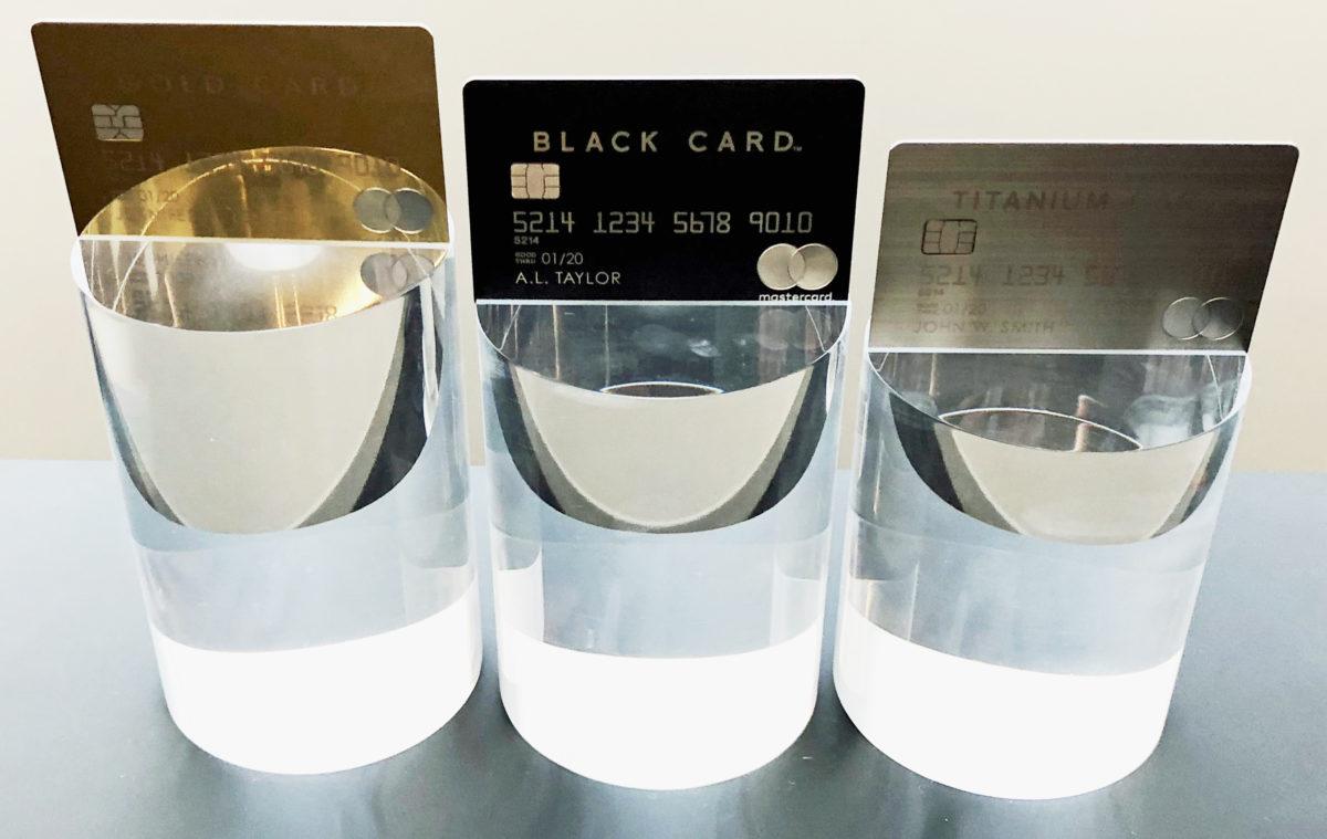 3枚のラグジュアリーカード